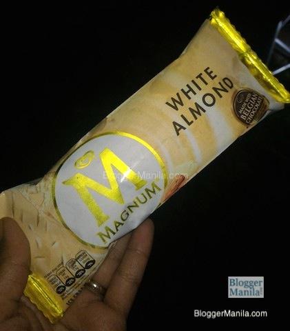 Magnum White Chocolate Almond